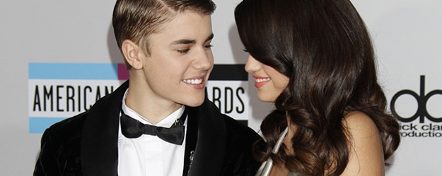 Selena Gomez-39th American Music Awards-Press Room, Nokia Theatre, Los Angeles, 11/20/2011